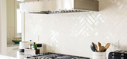 3af47ae96b9b098fa11d4eb7f27fb3b7-kitchen-splashback-tiles-simple-backsplash